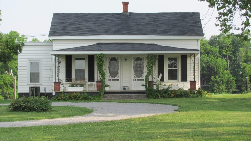 Grannys-Country-Cottage2