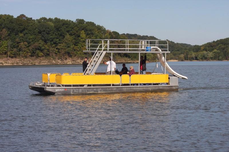 Emerald Isle Resort & Marina | Boat Rentals | Condos | Green River Lake