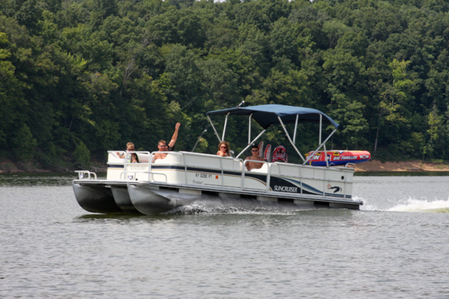 Pontoon boat rentals Green River Lake Campbellsville KY